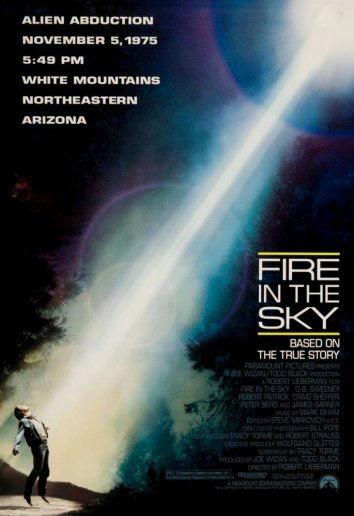 Смотреть Огонь в небе онлайн в HD качестве 720p