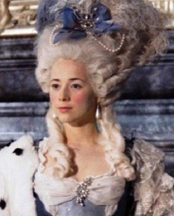 Смотреть Мария-Антуанетта онлайн в HD качестве 720p